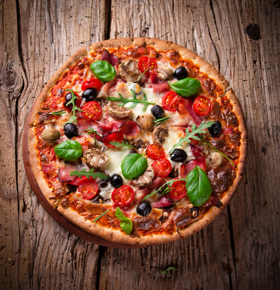 Uma pizza representa um círculo, pois sua extremidade é uma circunferência e seu interior é preenchido.