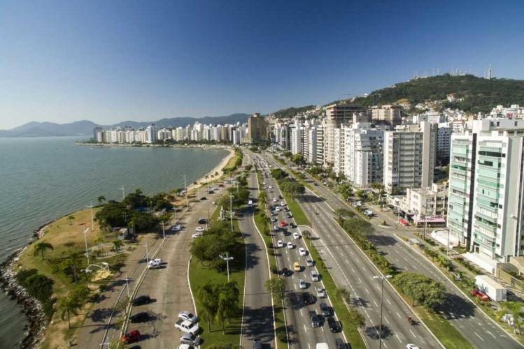Florianópolis é a capital do estado de Santa Catarina, um dos três estados da Região Sul.