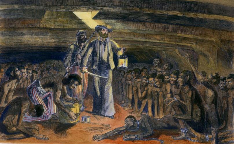 Os escravos eram transportados em navios conhecidos como tumbeiros.