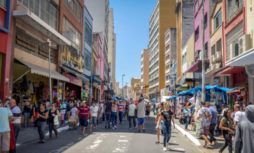 Nos bairros comerciais, há predomínio de comércios. [1]