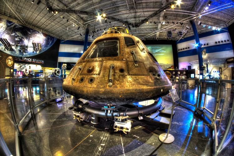 Módulo de Comando Columbia, a nave que levou os astronautas americanos para a Lua em 1969.*