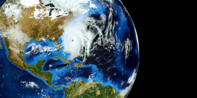 O Atlântico Norte apresenta condições favoráveis à ocorrência de furacões, ao contrário do Atlântico Sul.