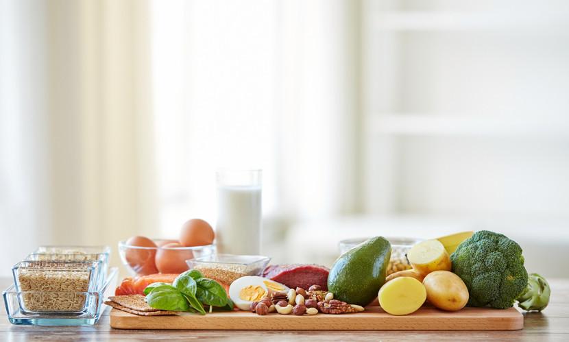 Uma alimentação saudável deve ser equilibrada tanto em quantidade quanto em qualidade.