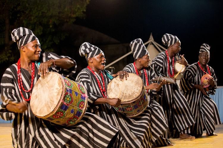 A cultura africana teve uma grande importância na formação do folclore brasileiro. [1]
