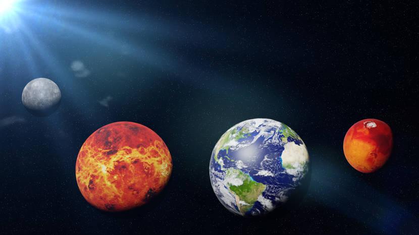 São quatro os planetas rochosos do Sistema Solar.