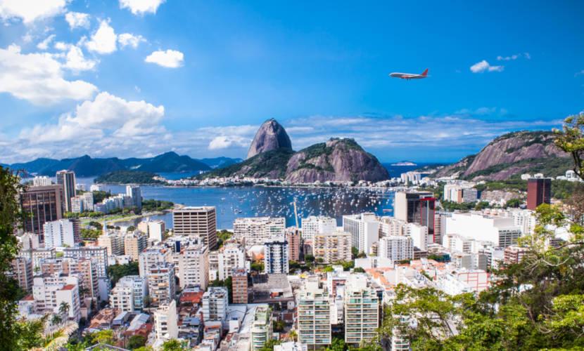 Rio de Janeiro é uma das capitais mais visitadas por turistas no Brasil.