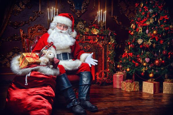 O Papai Noel moderno surgiu de uma campanha de publicidade produzida pela Coca-Cola.