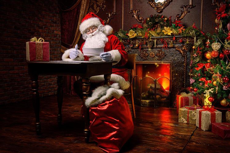 O Papai Noel e a árvore de Natal são dois grandes símbolos do Natal.