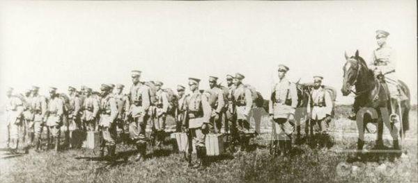 Tropas federais em ação contra o levante armado dos paulistas. [1]