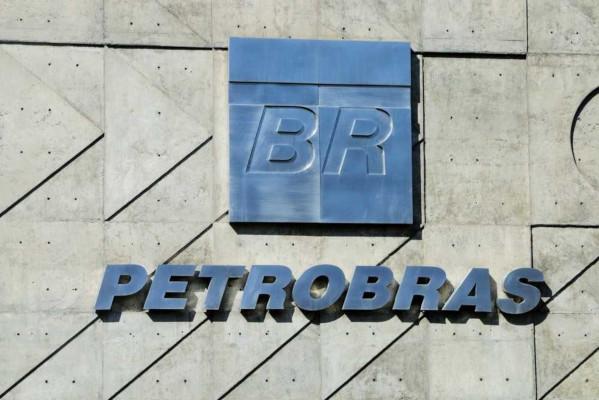A Petrobras confirmou em 2007 a descoberta do pré-sal no Brasil, mudando o rumo do desenvolvimento econômico do país.**