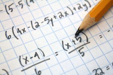 Expressões que possuem multiplicação entre números e incógnitas são algébricas
