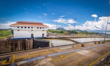 O Canal do Panamá é uma abertura na América Central que foi construída em 1914