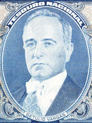Getúlio Vargas assumiu a presidência do Brasil em 1930 e permaneceu na função até 1945