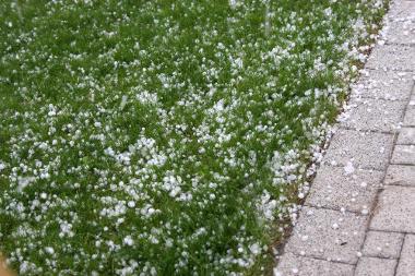 O granizo consiste na chuva em forma de pedras de gelo