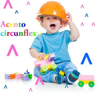 O acento circunflexo é popularmente conhecido por chapeuzinho e, além de indicar a tonicidade, indica também que o som da vogal é fechado