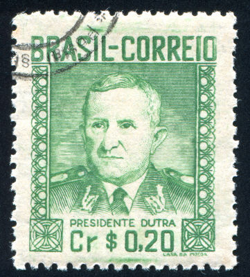 O general Eurico Gaspar Dutra foi o primeiro presidente do Brasil durante a Quarta República*