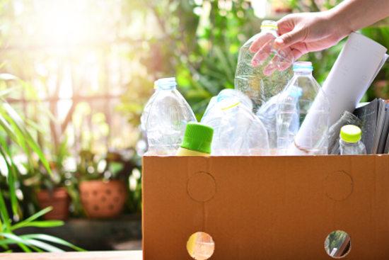 Plástico é um exemplo de material que pode ser reciclado