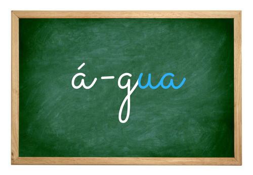 """Nesse ditongo destacado acima, a letra """"a"""" é uma vogal e a letra """"u"""" é uma semivogal"""