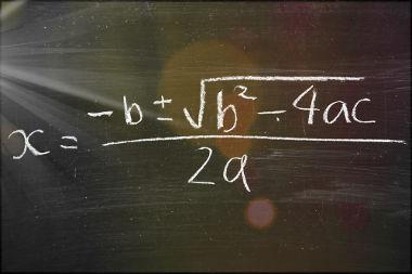 A fórmula de Bháskara pode ser usada para resolver as equações do segundo grau
