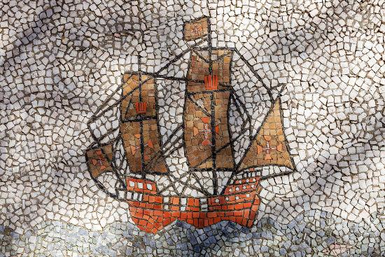 As capitanias hereditárias foram implantadas anos depois de os portugueses chegarem à América com a expedição de Pedro Álvares Cabral.
