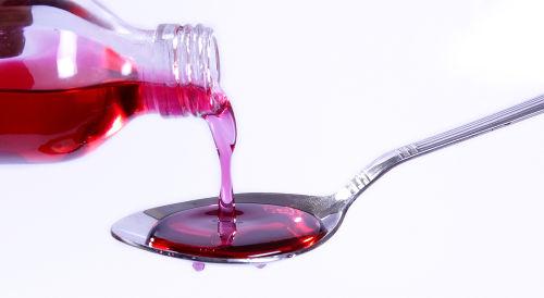 O xarope para tosse é um exemplo de utilização industrial da água destilada