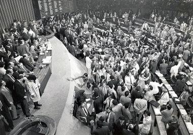 Membros da Constituinte em 1987 reunidos no Congresso Nacional *