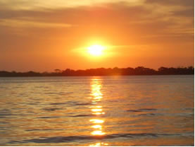 O sol é considerado uma fonte de luz natural