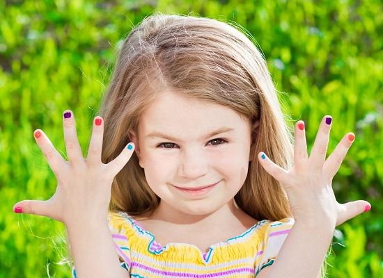 As unhas, além de proteger os dedos, possuem valor estético