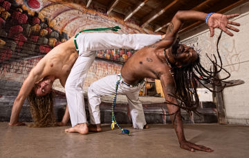 Como grande parte da população brasileira é negra ou mestiça, a cultura brasileira é muito influenciada por essa etnia¹