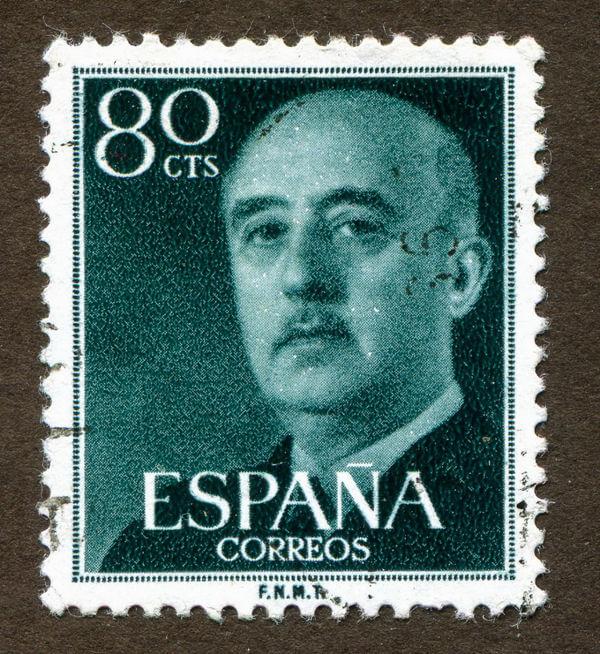 Francisco Franco liderou o golpe contra a república espanhola na década de 1930, venceu a guerra civil e implantou uma ditadura que durou até 1975.*