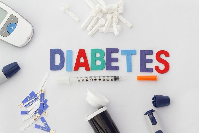 O diabetes é um problema caracterizado pelo aumento dos níveis de glicose no sangue.