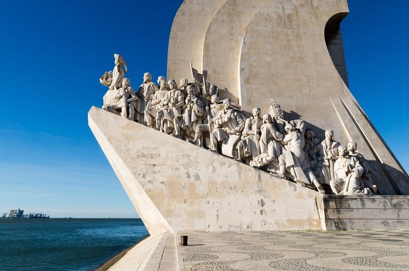 Padrão dos Descobrimentos, monumento em Lisboa em homenagem aos importantes nomes das Grandes Navegações.