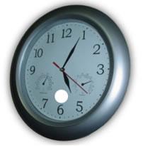 0bd2c85f49 O ponteiro menor está apontando para 5 e o maior para o número 1. Nesse  caso dizemos que são 5 horas e 5 minutos.