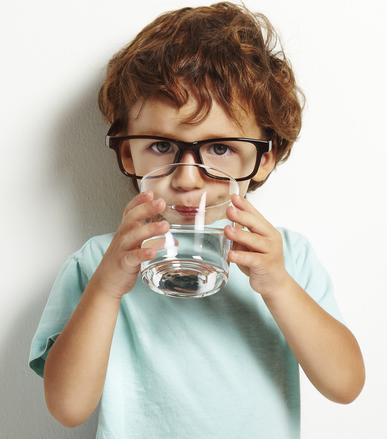 Beber água pode evitar o aparecimento de cálculo renal