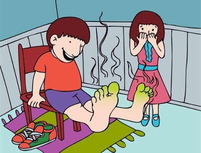 Há algumas maneiras de evitar o cheirinho ruim nos pés.