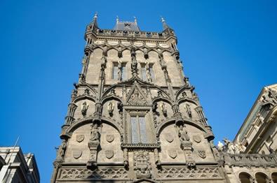Construção gótica em Praga, na República Tcheca. Ao contrário do que afirmavam seus detratores, a Idade Média desenvolveu uma arquitetura de qualidade